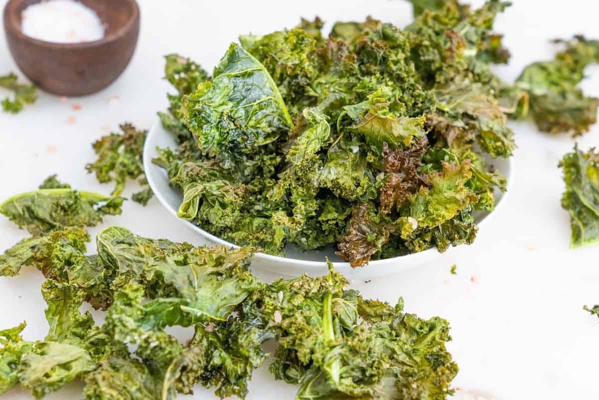 Homemade Kale Chips   Plant-Based on a Budget   #kale #chips #vegan #snack #healthy