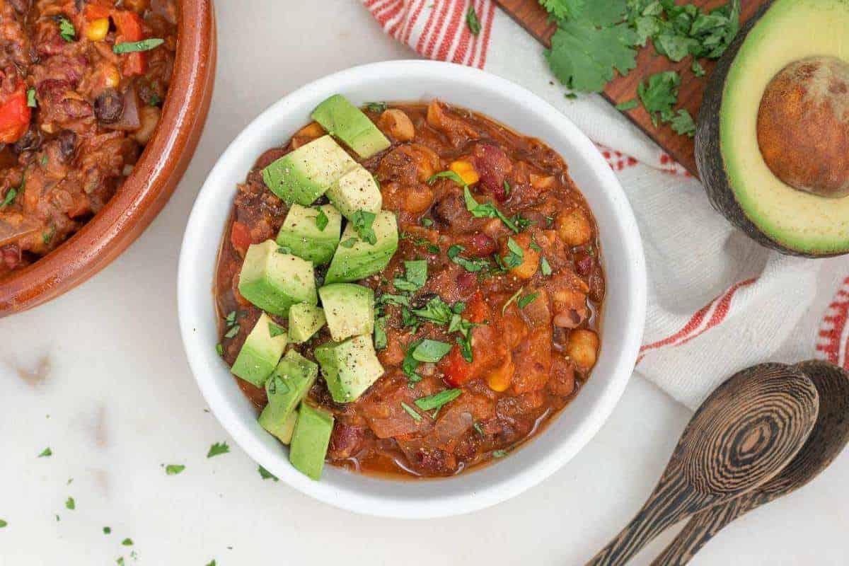 Crockpot Four Bean Chili | Plant-Based on a Budget | #chili #beans #crockpot #instant #pot #vegan #dinner #plantbasedonabudget