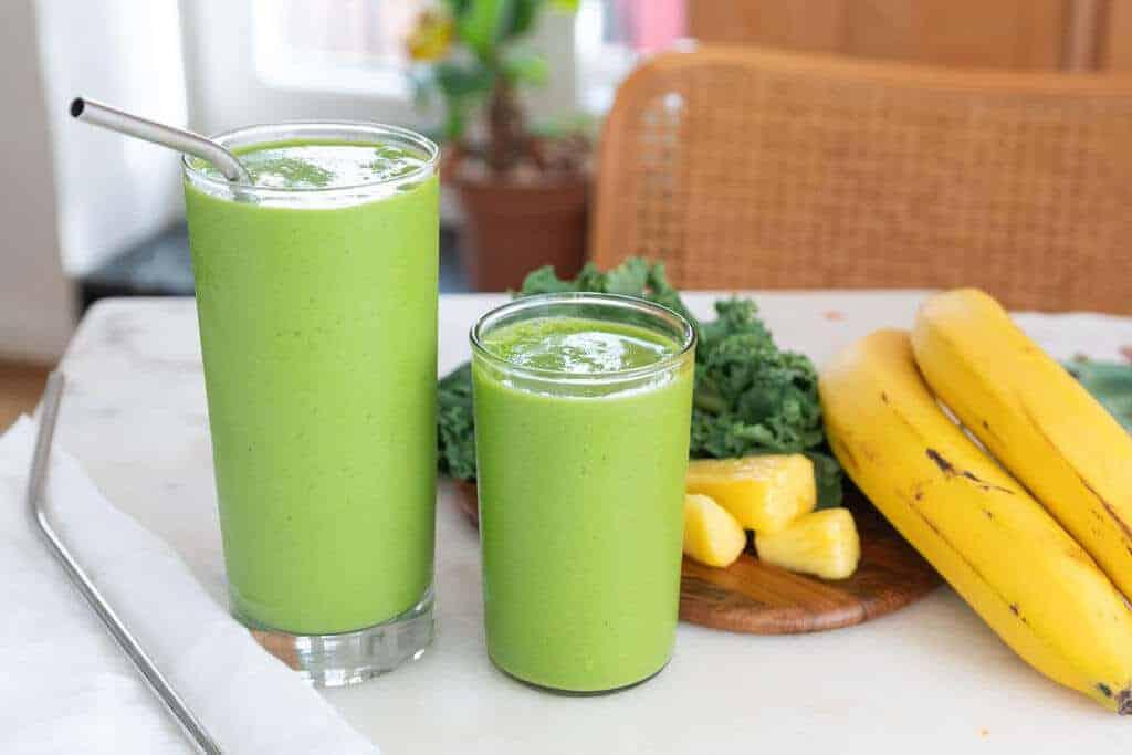 Kale Pineapple Smoothie | Plant-Based on a Budget | #smoothie #kale #pineapple #tropical #vegan #breakfast #plantbasedonabudget