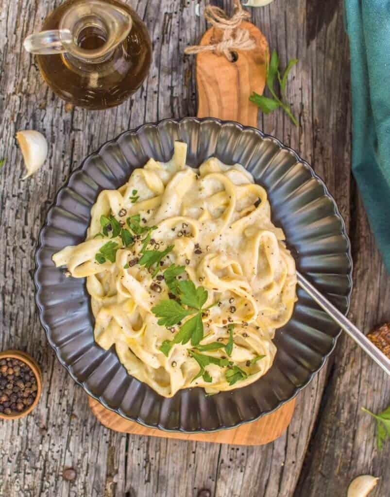 Vegan Fettuccini Alfredo Recipe The Friendly Vegan Cookbook 1