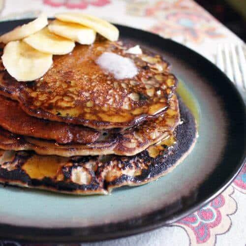 banana cinnamon pancakes 1 scaled