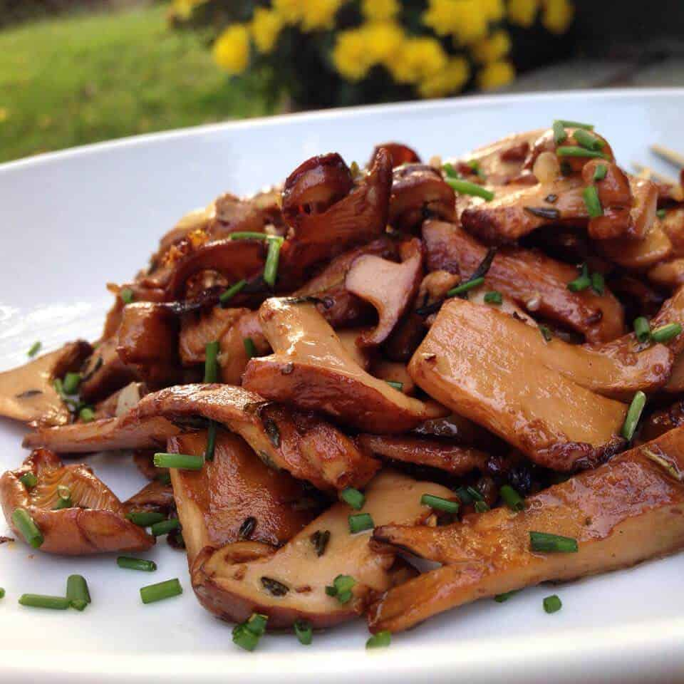 garlic and thyme chanterelles