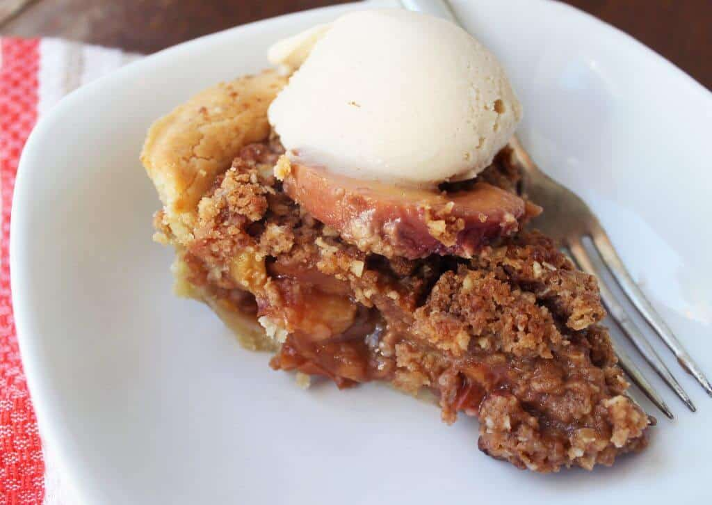 peach crmb pie scaled