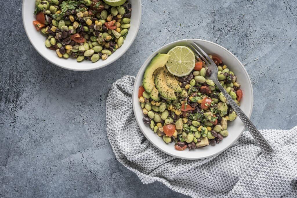 Super Easy Edamame Salad Recipe | plantbasedonabudget.com | #edamame #salad #vegan #lunch #protein #plantbasedonabudget